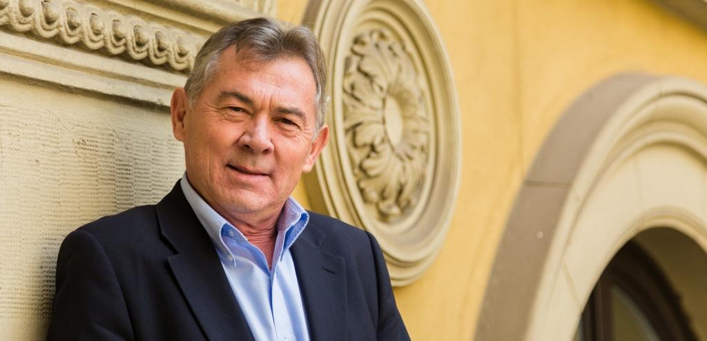 Dobák Miklós, 365 üzleti történet