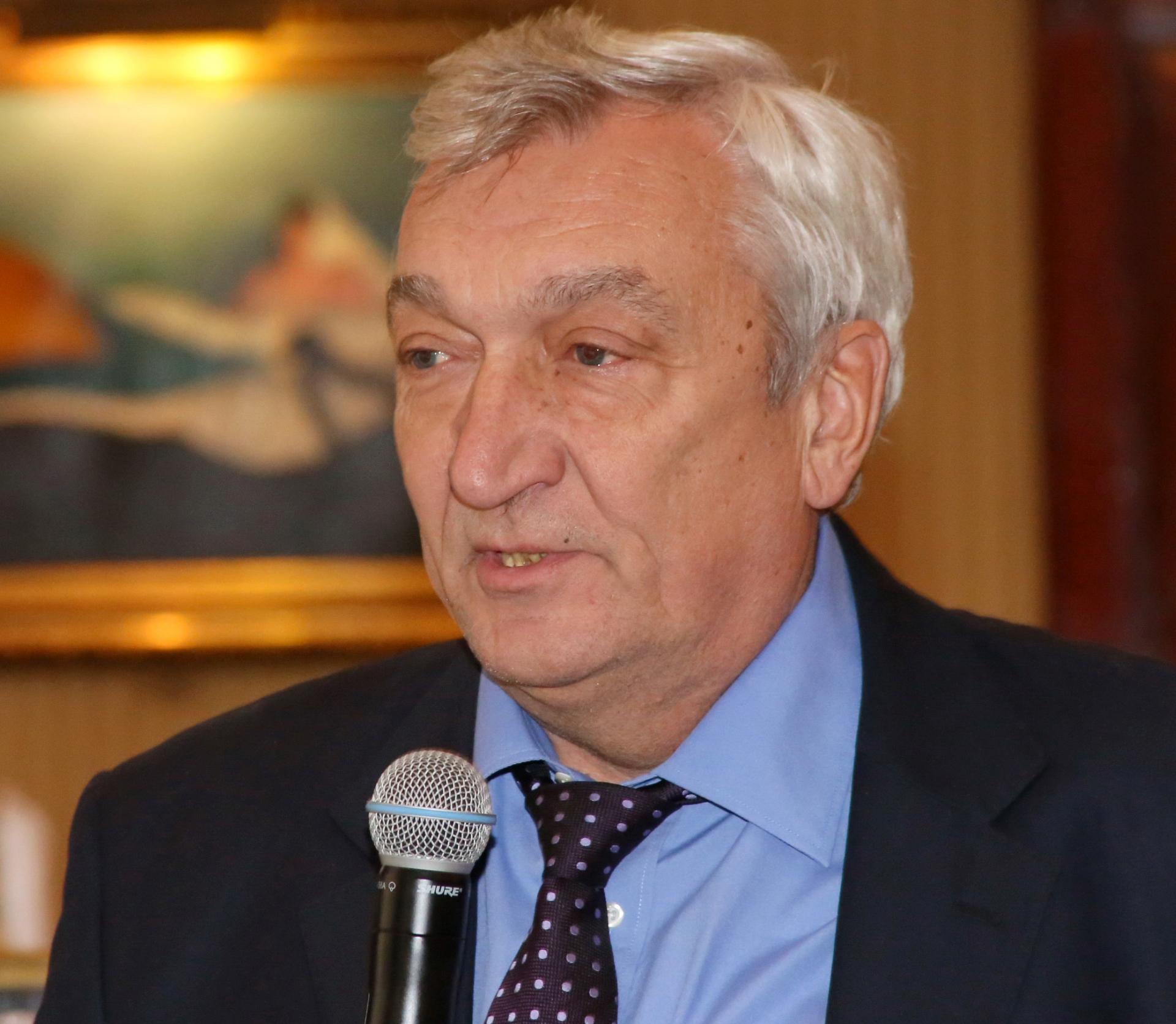 365 üzleti történet, dr. Orosz Csaba