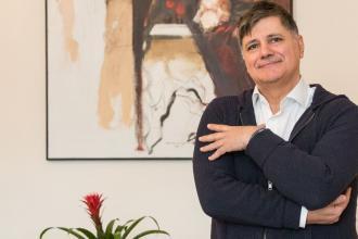 Lotfi Farbod, 365 üzleti történet