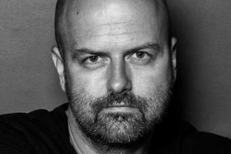 Weiler Péter, a Dating Central Europe Zrt. tulajdonos vezérigazgatója, festőművész