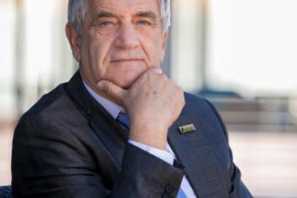 Kürti Sándor, Kürt Zrt, 365 üzleti történet