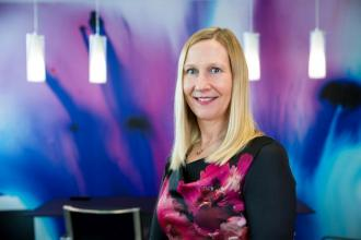 Melanie Seymour,365 üzleti történet